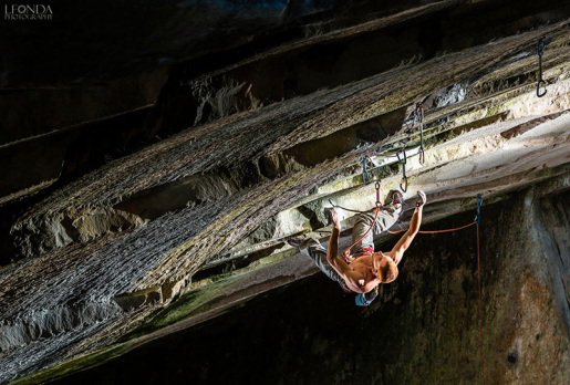 Gabriele Moroni climbs Underground 9a at Massone