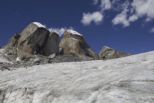 Miyar valley, first ascent of Lotus Tower SE Face