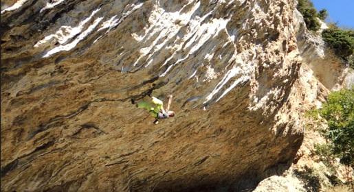 Stefan Scarperi climbs Bio-logiko 9a at Arco