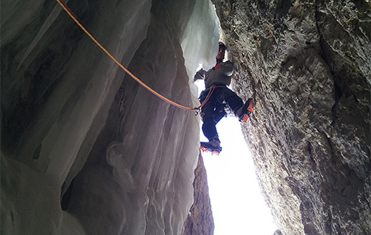 Amore e ombra, Adam Holzknecht and Alex Walpoth climb new mixed route in Vallunga