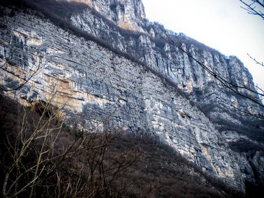 Chiodo Fisso sulla parete Busa dei Preeri, Val d'Adige