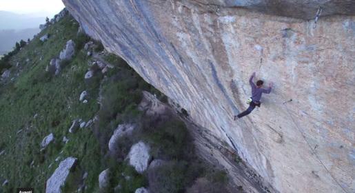Jonathan Siegrist climbing Le Cadre Nouvelle at Céüse
