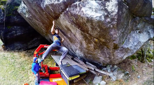 Luca Rinaldi boulders 8B+ with Off the Wagon in Valle Bavona