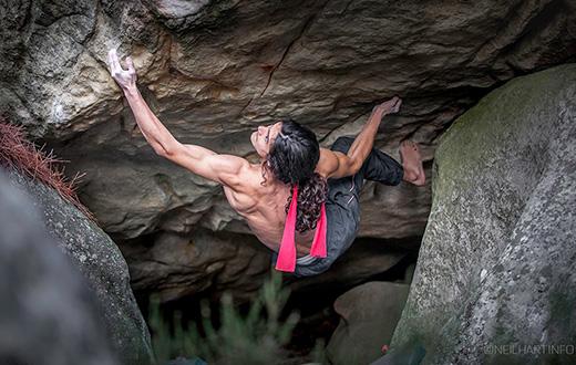 Melissa Le Nevé e Charles Albert grande arrampicata sui boulder di Fontainebleau