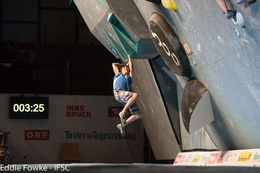 Shauna Coxsey and Jongwon Chon win Innsbruck stage of Bouldering World Cup 2016