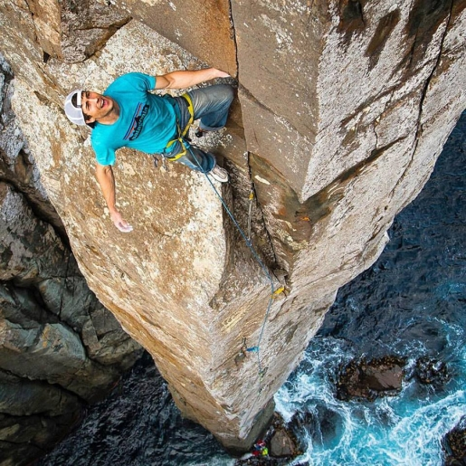 Sonnie Trotter free climbs the Totem Pole Ewbank Route