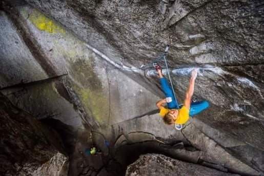 Alexander Megos dashes up Dreamcatcher at Squamish in Canada