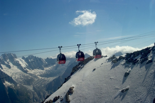 Mont Blanc cable car, trapped passengers safe