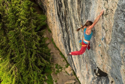 Martina Cufar climbs her second 8c at Bionnassay