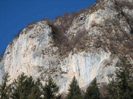 Corna Rossa di Bratto, il gioco arrampicata continua