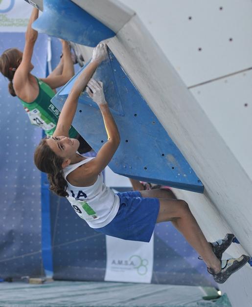 Laura Rogora climbs 9a again, this time at Oliana in Spain