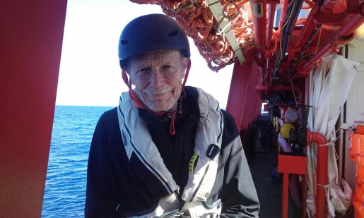 Erri De Luca, il verbo scalare e i pescatori di uomini che salvano i migranti