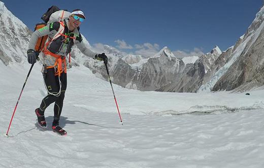 Ueli Steck dies in Everest accident