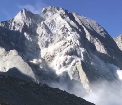 Pizzo Cengalo massive rockfall video