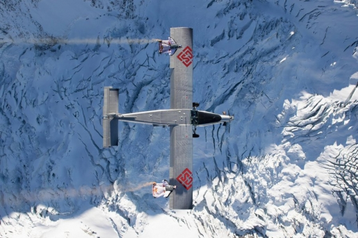 A Door in the Sky, Fred Fugen and Vince Reffet fly into plane from Jungfrau