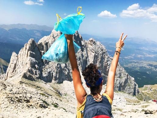 Cinque ragazze per un mondo più pulito