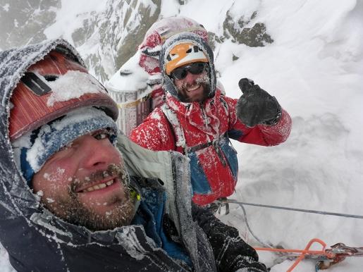 Monte Shkhara in Georgia, il video della nuova via e prima invernale di Archil Badriashvili e Giorgi Tepnadze