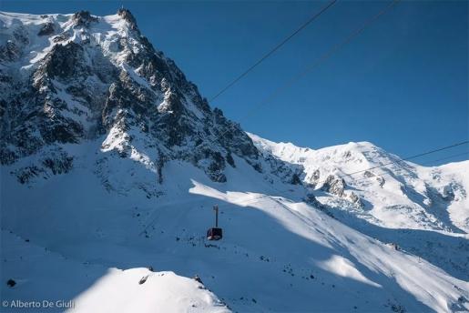 Aiguille du Midi cable car reopens after unexpected maintenance