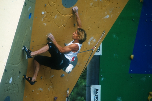Back to the Comp, gara d'arrampicata old style new school. Intervista ad Alberto Gnerro