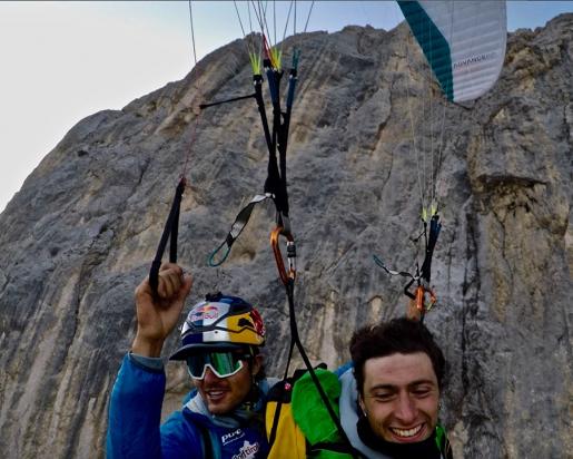 Aaron Durogati, Mirco Grasso, tandem paraglide off Marmolada halfway ledge