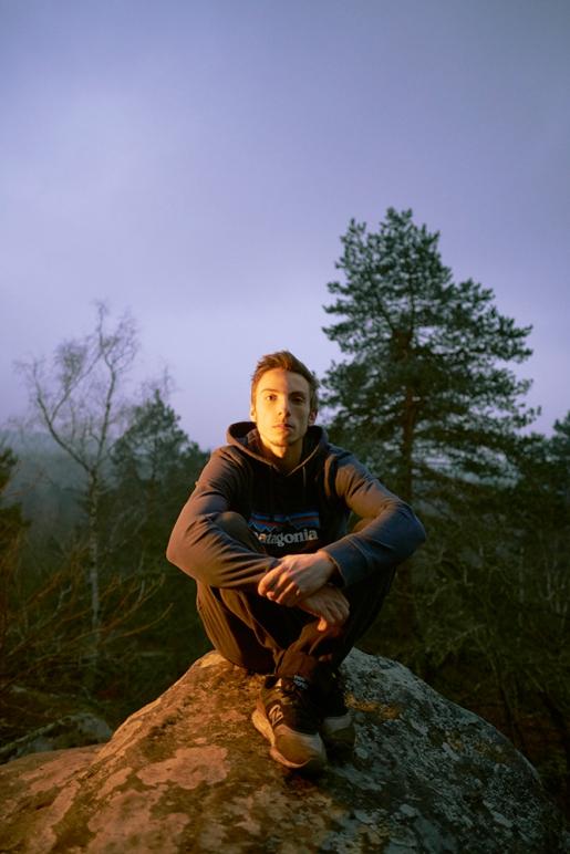 Simon Lorenzi talks Soudain seul, his 9A boulder problem at Fontainebleau in France