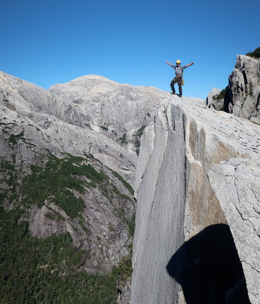 Two big news climbs in Chile's unexplored Valle Escondido by Mike Sánchez, Cristobal Señoret Zobeck