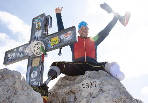 Andrea Lanfri climbs Gran Sasso d'Italia during From Coast to Coast project