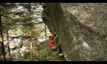 Bernd Zangerl bouldering Bravirabi in Val Noasca, Italy