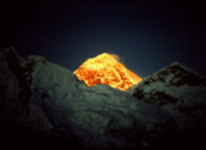 Tibet, the Olympic torch heads for Everest