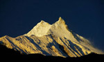 Manaslu summit for Nives Meroi, Romano Benet and Luca Vuerich