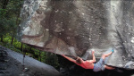 Simone Tentori & co bouldering at Magic Wood
