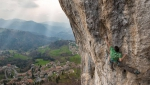 Stefano Ghisolfi gallups up Goldrake 9a+ at Cornalba