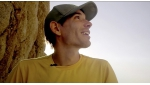 Alex Honnold sale in arrampicata free solo Freerider su El Capitan, Yosemite