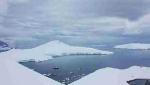 Lungo la frastagliata costa della penisola Antartica