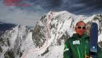 Monte Bianco: Edmond Joyeusaz scende con gli sci la via Comino-Grassi sul versante della Brenva