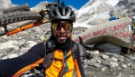 Omar Di Felice: in bici al campo base dell'Everest oggi su Instagram