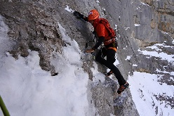 Ueli Steck e il nuovo record di velocità sull' Eiger